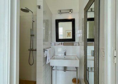 Chambre d'hôte Marcel à Aigues-Mortes: salle de bains